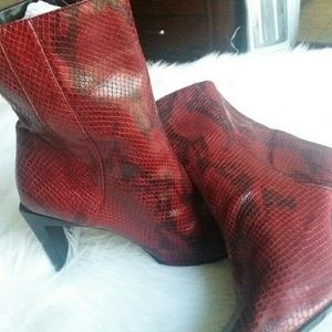 Nine West Red snakeskin boots sz 8.5